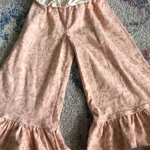 Persnickety Ruffle pants. Size 4. EUC.